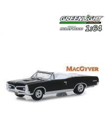 Greenlight 1:64 合金車 - 1967 Pontiac GTO Convertible MacGyver (Hollywood S24)